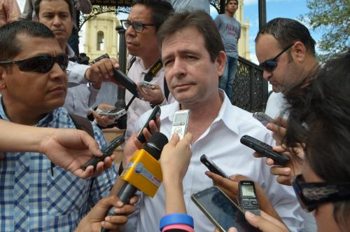 Sonorenses no creen en campa�as negras del PAN: Alfonso El�as